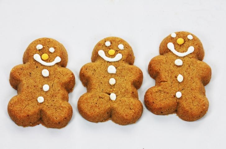 3-gingerbread-man-cookies[714].jpg