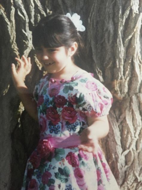 Annie at cottonwood tree[3347].jpg